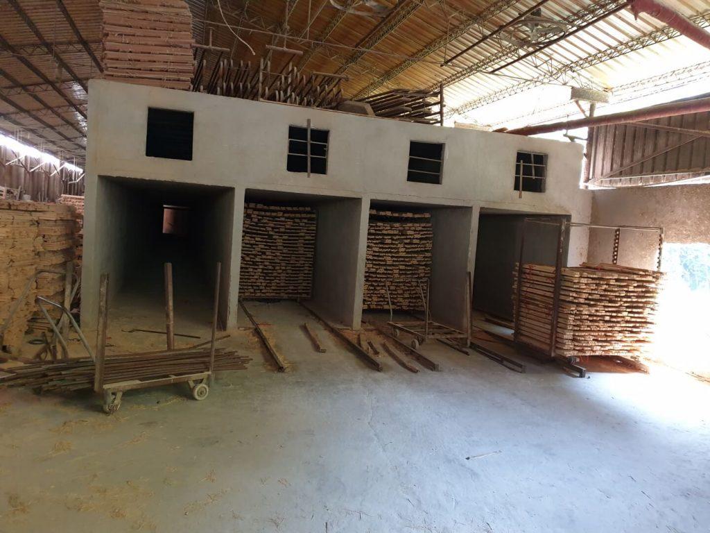 Trockenofen für das Trocknen der Bambusstreifen bei der Herstellung von Bambus Schneidebrettern und anderen Bambusprodukten